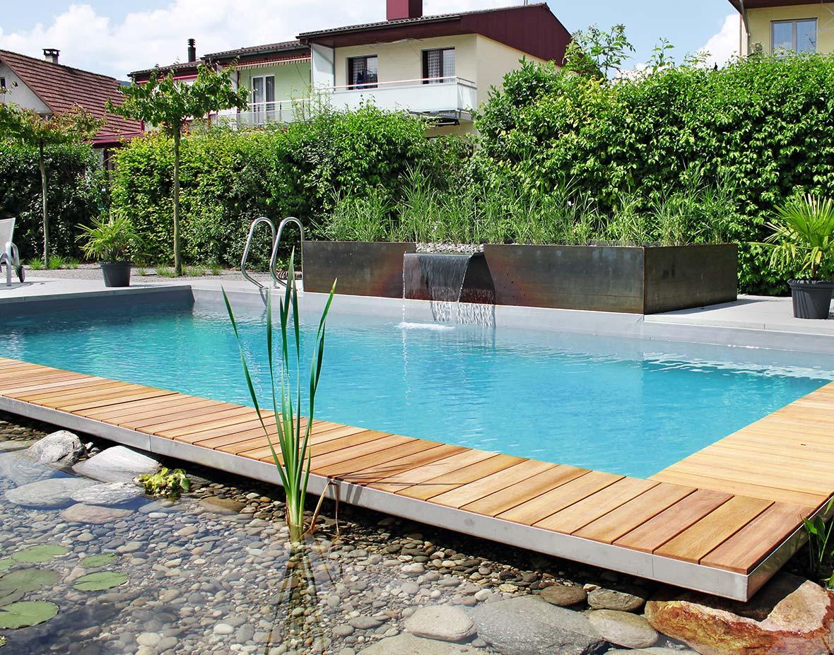 schwimmteich bildergalerie mit beispielen vieler schwimmteiche. Black Bedroom Furniture Sets. Home Design Ideas