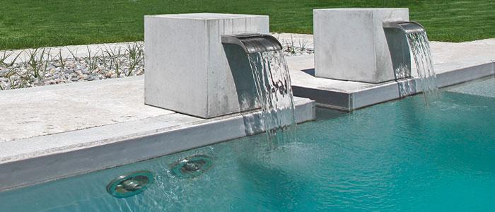 vom swimmingpool zum schwimmteich der bau eines teichs im. Black Bedroom Furniture Sets. Home Design Ideas